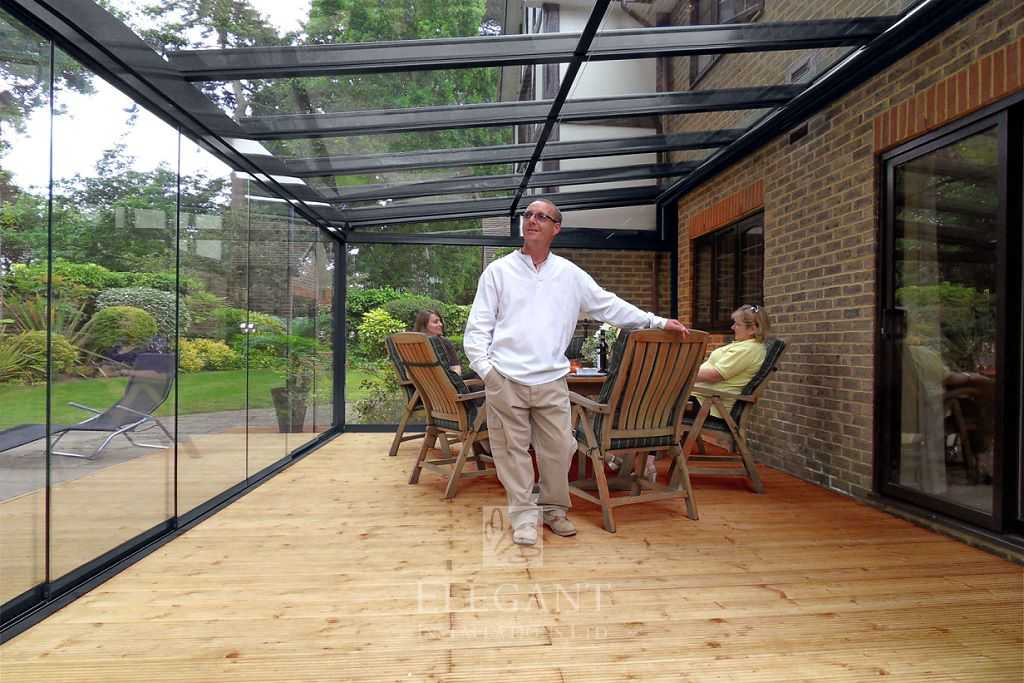 Glass rooms uk stunning glass garden rooms by elegant for Glass garden office